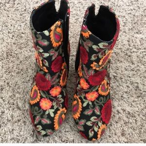 Floral Pattern Embroidered Heel Booties